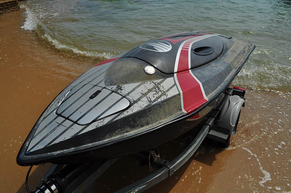 Jetlev-Flyer-Boat-one-year-old-4